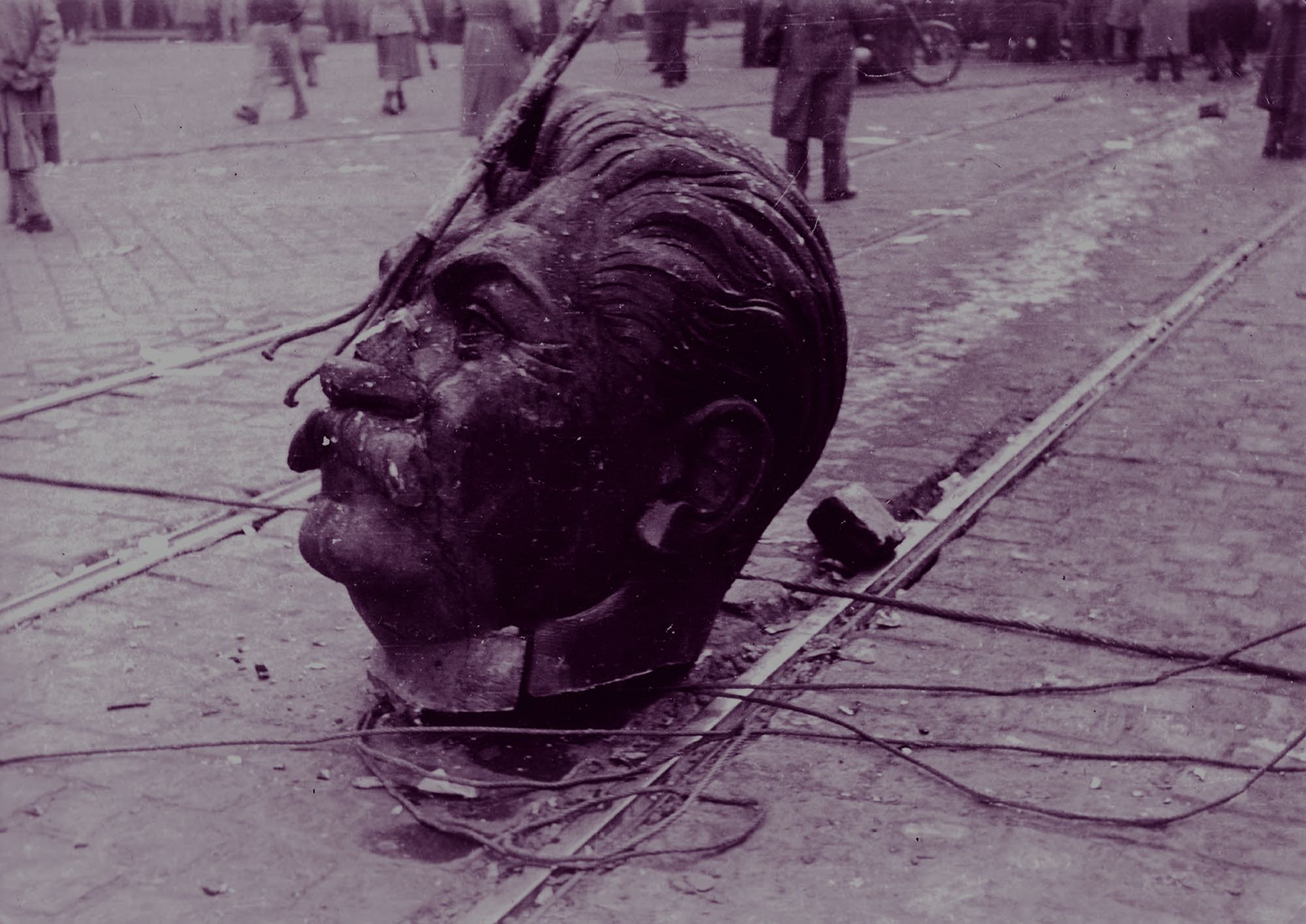 Decapitated Stalin