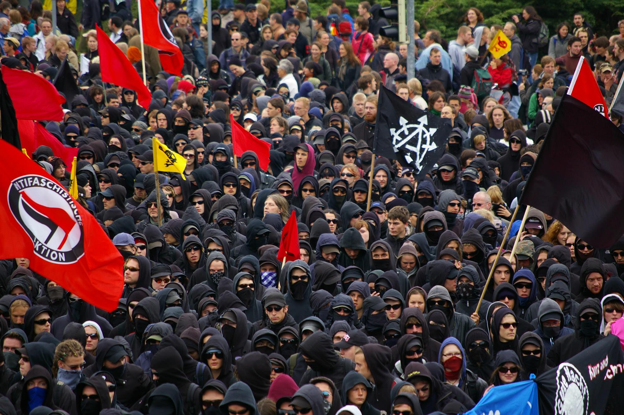 2007 G8 black bloc